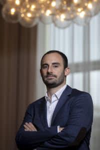 Portrait of Matt Averna, graduate of the ESMT business school in Berlin inside the building, Berlin, 11.10.2019