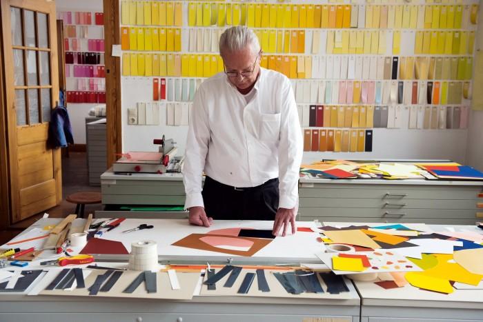 Imi Knoebel in his studio