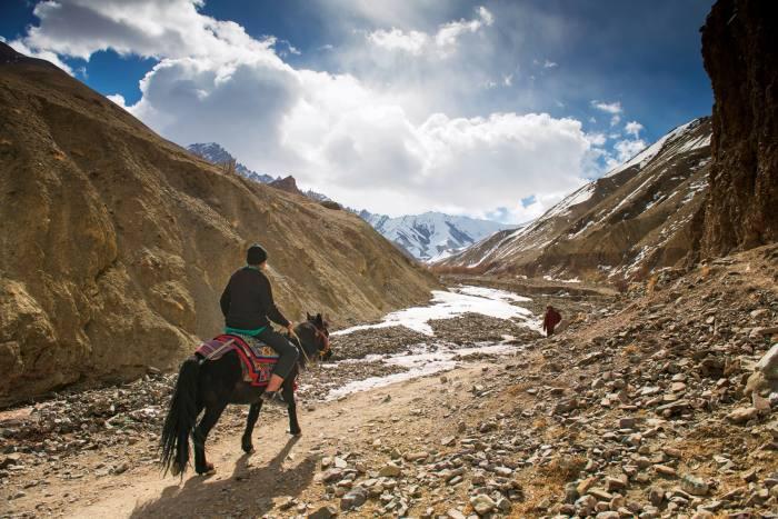 The author rides to Rumbak