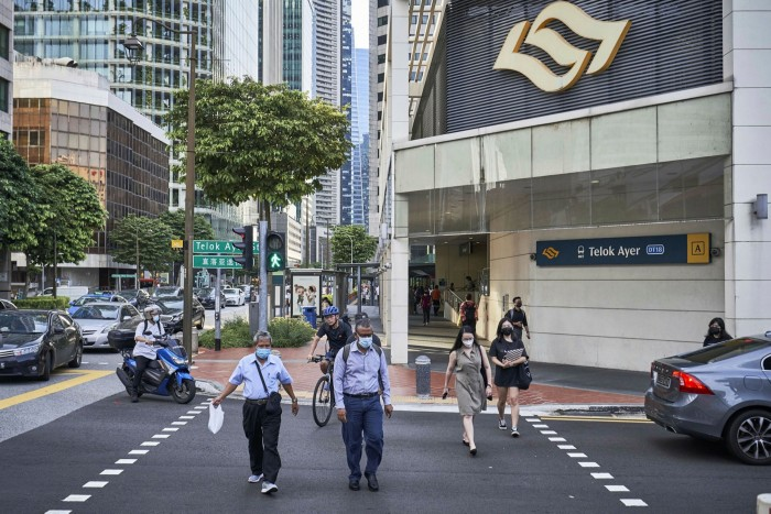 The typical commute in Singapore is very different to London