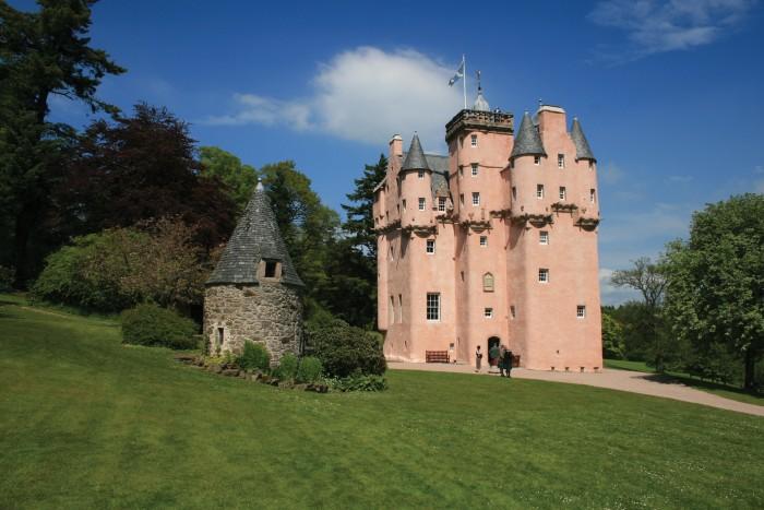 Guest cottages offer views of 17th-century Craigievar Castle