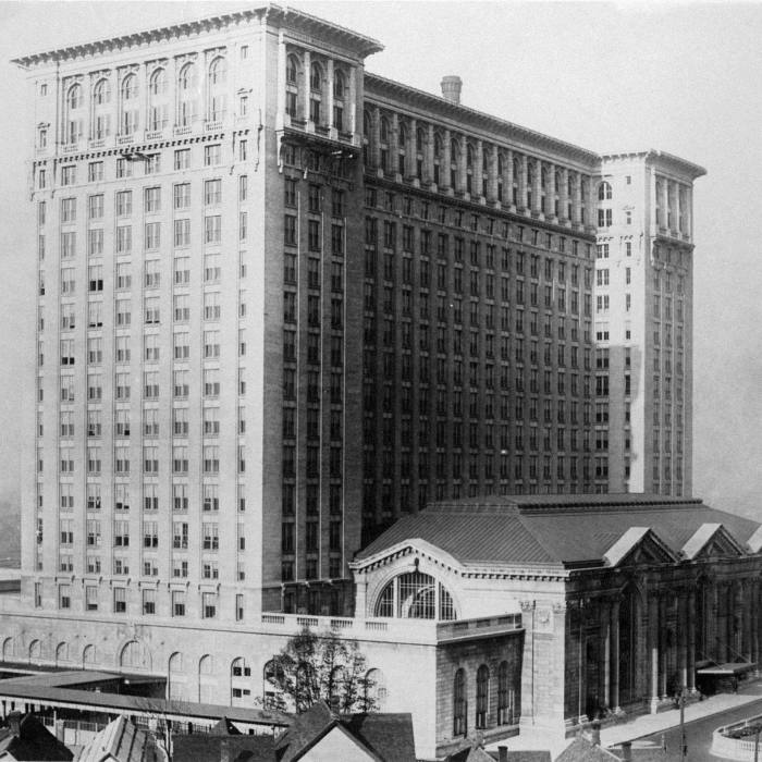 Michigan Central Station in 1915. The station was Detroit's main intercity passenger terminus until its closure in the 1980s