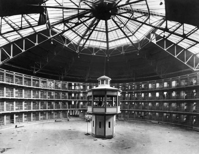 The 'panopticon effect' of colleagues' presence in shared workspaces has long been assumed to benefit productivity