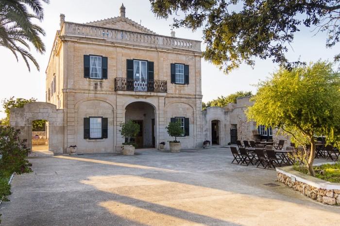 Alcaufar Vell hotel is an 18th-century manor house