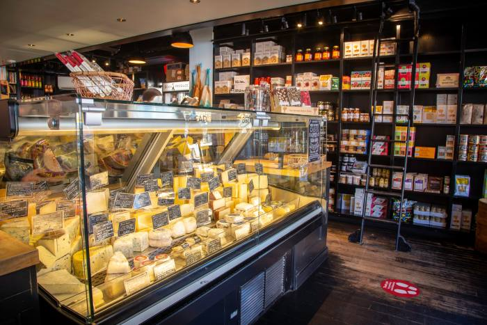 For picnics and après-ski fondues: Meat & Cheese