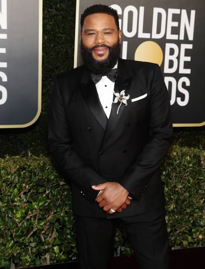 Anthony Anderson with a Chopard brooch at the 2021 Golden Globes